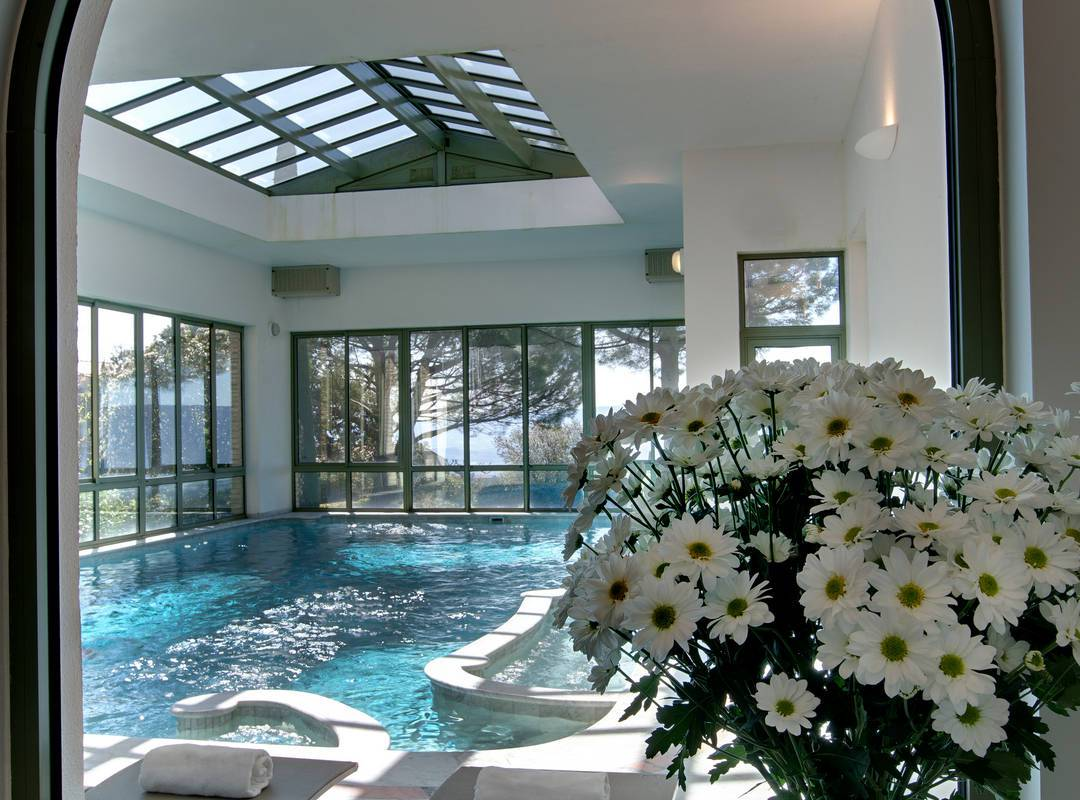 Dream pool luxury hotel in Provence