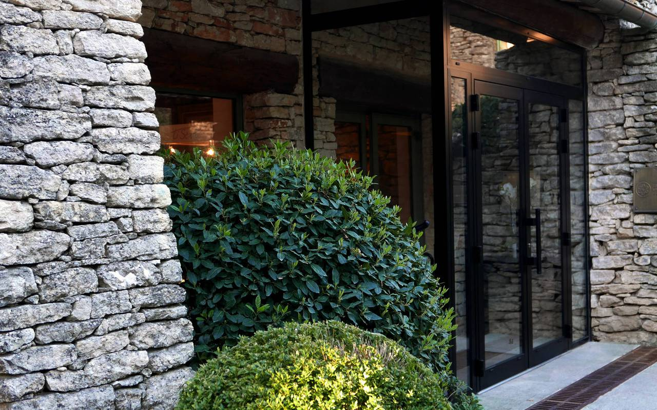 Luxury hotel entrance Les Bories in Provence