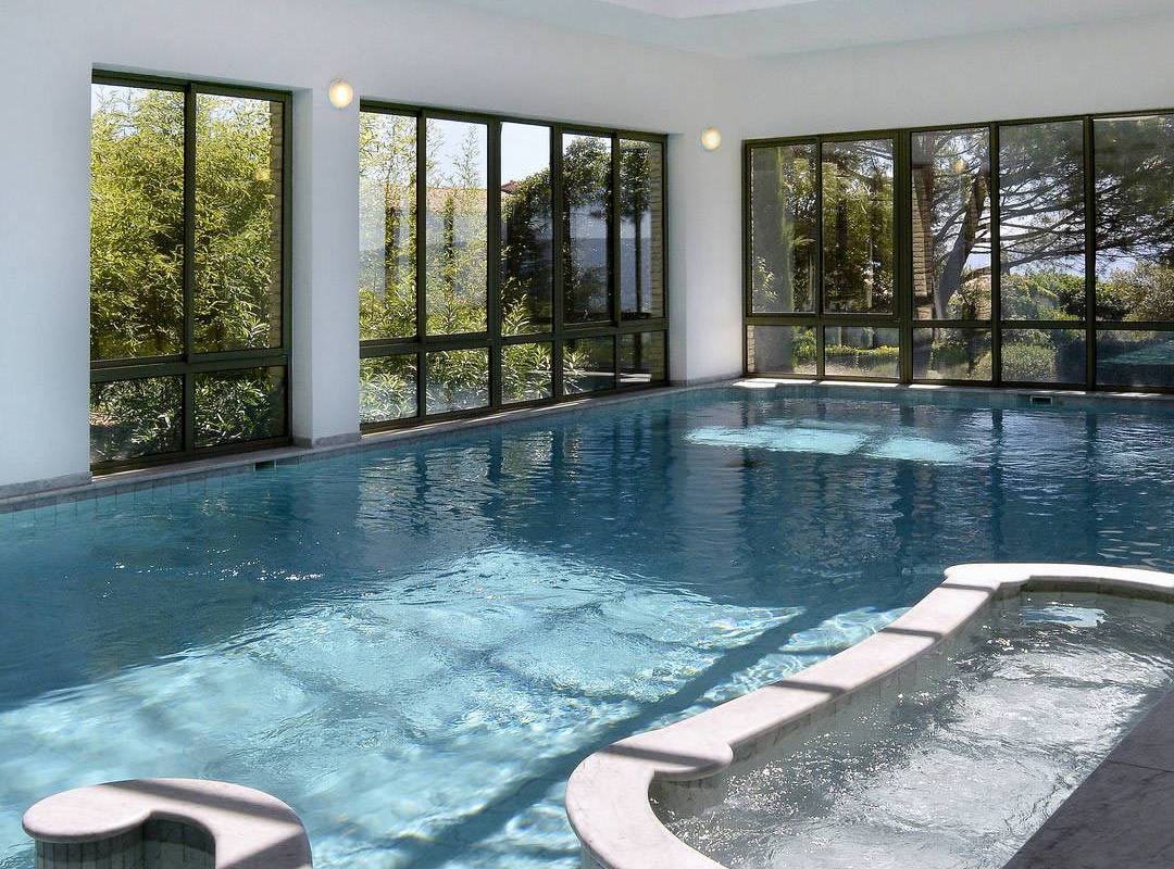 Beautiful swimming pool in Provence hotel and spa Les Bories