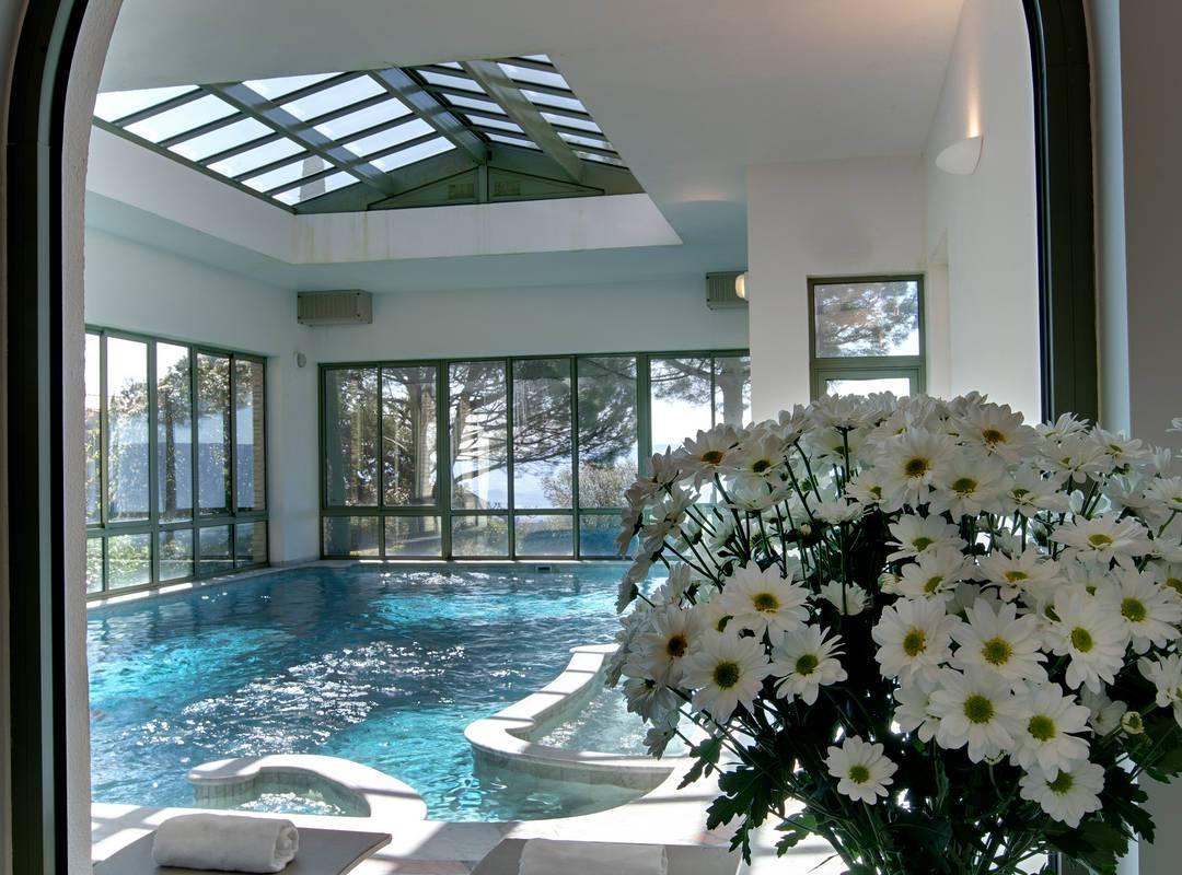 Piscine de rêve hotel de luxe en provence