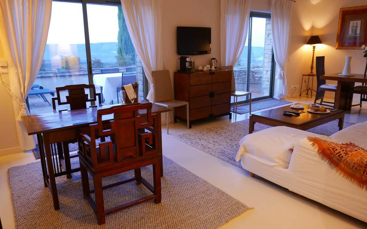 Grande pièce à vivre hôtel de luxe les Bories à Gordes