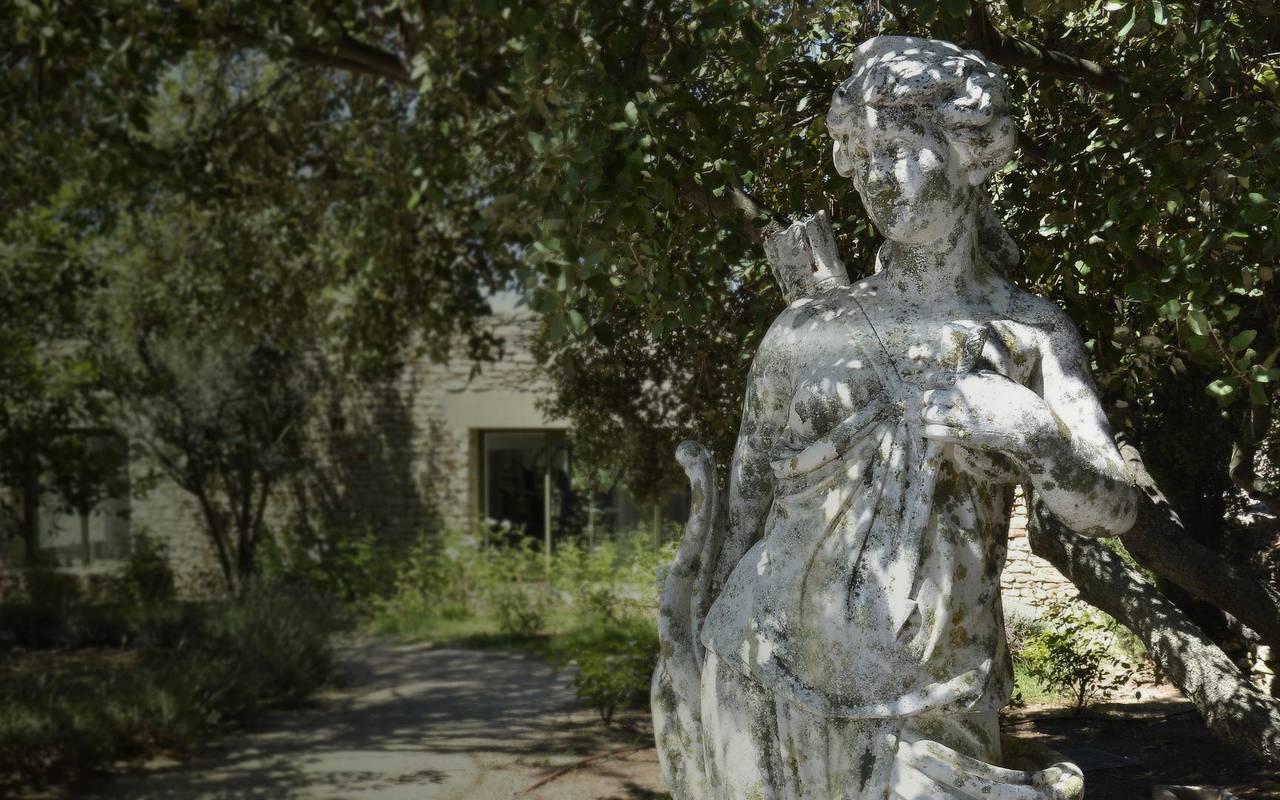 Statue raffinée hôtel de luxe Les Bories à Gordes